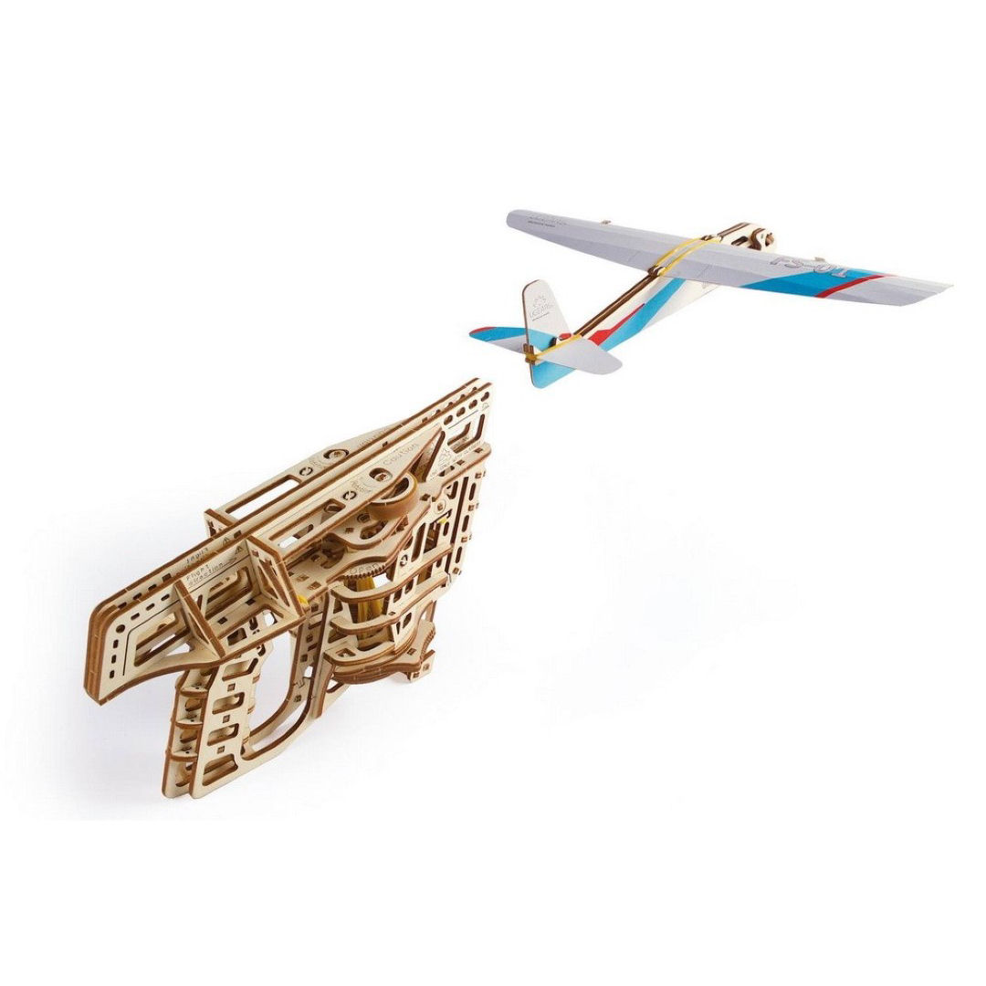 UGEARS Lanza-aviones